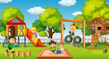 Crianças, tocando, em, divertimento, pátio recreio