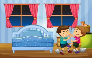 Kleine Jungs kämpfen im Schlafzimmer