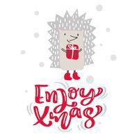Genießen Sie Weihnachtskalligraphie-Beschriftungstext. Weihnachtsskandinavische Grußkarte mit Hand gezeichneter Vektorillustration des Igelen mit Geschenk. Isolierte Objekte