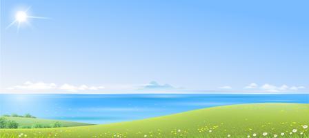 Paisaje de mar con verdes colinas.