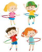 Niños jugando hula hoops