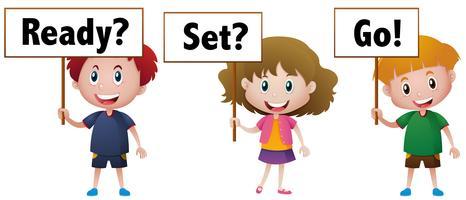 Drei Kinder mit bereitem Setzeichen gehen