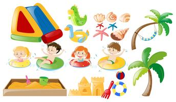 Niños nadando y juguetes de playa.