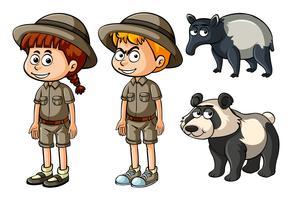 Pojke och flicka i safari kläder med panda och tapir