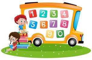 Niño y niña contando números