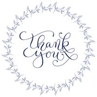 Las palabras de las letras de la mano le agradecen con la guirnalda floral dibujada mano en el fondo blanco. Caligrafía hecha a mano, ilustración vectorial