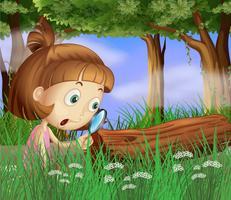 En tjej med en förstoringslins nära vägen