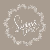 Sommerzeittext im runden Rahmen des Vingage auf braunem Hintergrund. Hand gezeichnete Kalligraphie, die Vektorillustration EPS10 beschriftet
