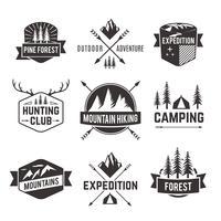 Conjunto de etiquetas de emblemas de turismo.