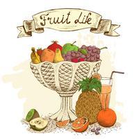 Vase de fruits avec jus de fruits frais nature morte