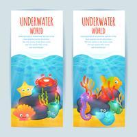 Conjunto de banners verticales de animales marinos bajo el agua.