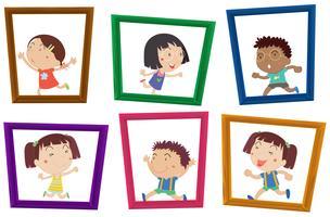 Niños y marcos de fotos.