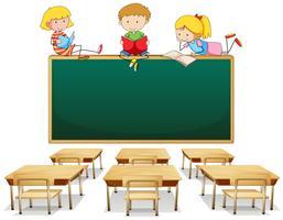 Três crianças na sala de aula