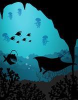 Escena de silueta con criaturas marinas bajo el agua