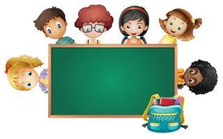 Plantilla de marco con niños y niñas
