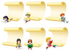 Papeles en blanco con niños leyendo libro