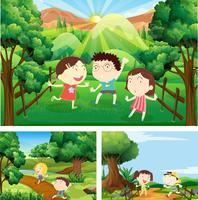 Barn som leker i fältet