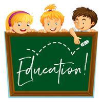 Drie kinderen en bord met woordonderwijs
