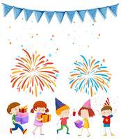 Crianças na festa com fundo de fogo de artifício