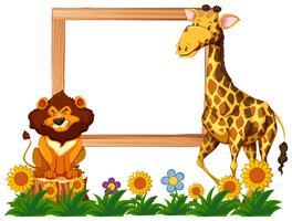 Marco de madera con jirafa y león.