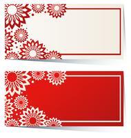 Två rektangulära etiketter i rött och vitt