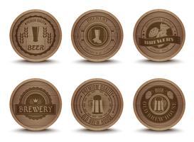 Ensemble d'icônes tapis de bière en bois