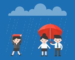 Einzelne Geschäftsfrau, die unter den Regen geht