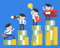 Diferente empresario y súper empresario están en la pila de dinero