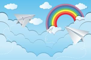 Scena del cielo con aeroplani di carta