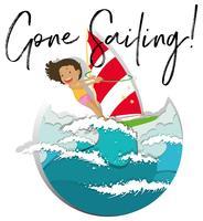 Ragazza sulla tavola da surf e parola andato a vela