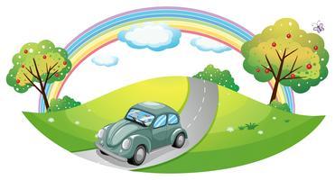 En bil kör på vägen