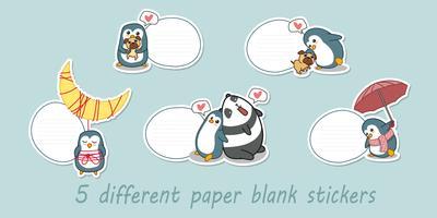 5 diferentes pegatinas de papel en blanco.