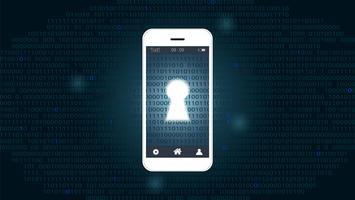 Schermo dello Smart Phone con il buco della serratura sul fondo digitale di codice binario.