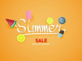Letras de verano sobre fondo naranja con helado, sandía, limón. Papel de arte papel estilo cortado.