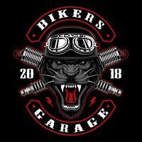 Pantera biker con bujias.
