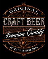Étiquette Vintage Craft Beer sur le fond sombre.