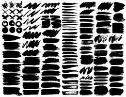 Großer Satz Pinselstriche, schwarze Tintenschmutz-Pinselstriche. Vektor-illustration