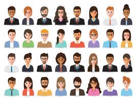 Empresários e avatares de mulheres de negócios.