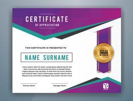 Professionelles Mehrzweck-Zertifikat-Vorlagendesign. Abstrakte purpurrote vektorabbildung