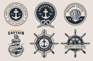 Set de badges marins sur le fond clair