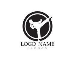 Karate en taekwondo logo vechten vector