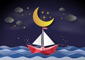 Papiersegelboot, das auf das Meer schwimmt