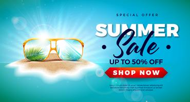 Zomer verkoop ontwerp met exotische palmbladeren in zonnebril op tropische eiland achtergrond. Vector speciale aanbieding illustratie met blauwe oceaan landschap