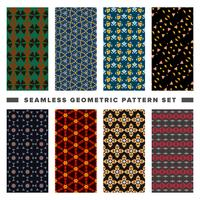 Set of seamless decorative geometric shapes pattern