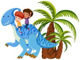 Niños montando un dinosaurio