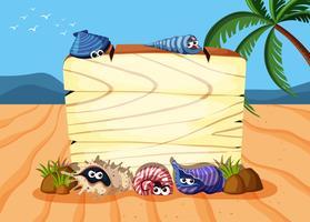 Planche de bois sur le sable