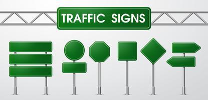 Trafikskyltar i realistisk stil Fångad av vägen.