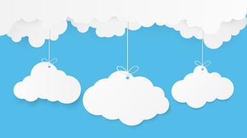 Papierkunst mit Wolke auf blauem Himmel. Kopieren Sie Platz. Sprechblase, weißes leeres Hängen.