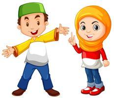 Muslimsk pojke och tjej i traditionell kostym