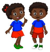 De jongen en het meisje van Haïti met gelukkig gezicht